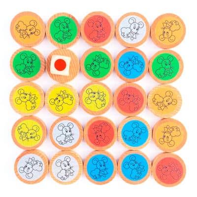 Pions du jeu de memory des couleurs